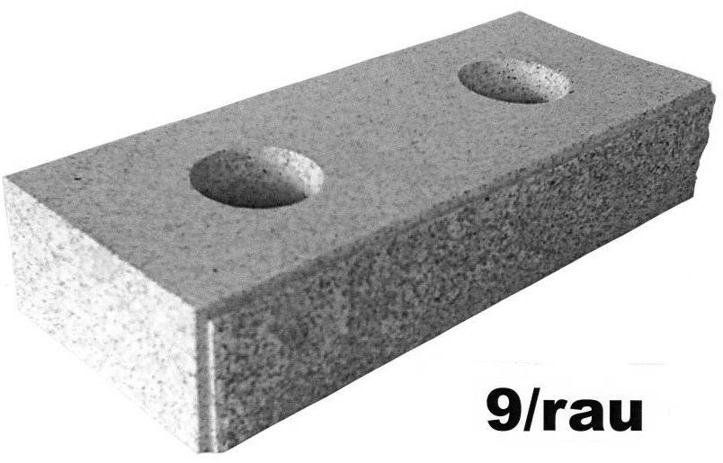 Mauerstein, bossiert